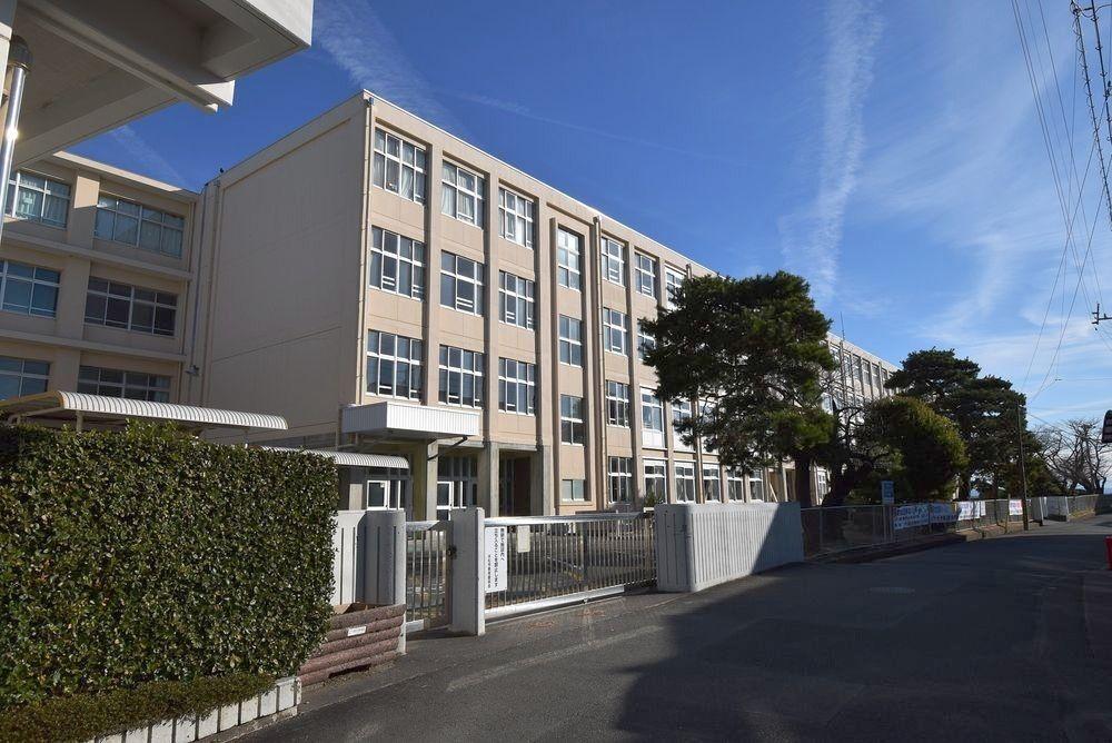 浜松市中区住吉にある浜松市立高台中学校です